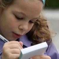 Hoe begeleid je een kind dat zwak is in spelling?