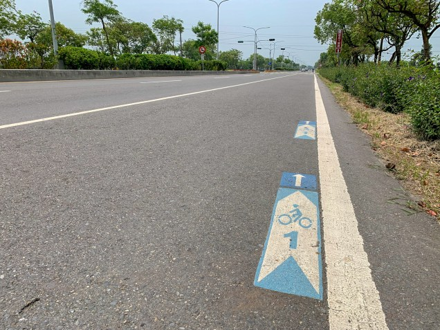 Multiple cycling routes are marked on road surfaces throughout Taiwan, making use of the rightmost lane, usually reserved for slower traffic like scooters and bicycles.