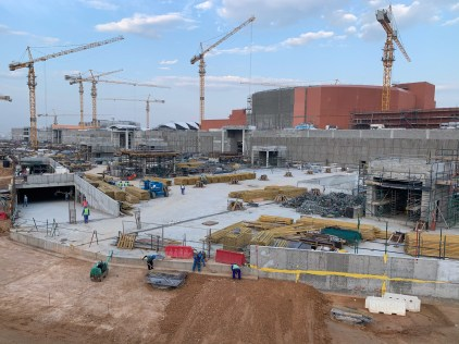 Construction projects, like this one for the new Mall of Oman, visible everywhere