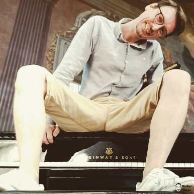 Its me! Sittin on a Steinway. Point 3 on my bucket list. DONE :) @steinwayandsons #steinway #piano #steinwayandsons #music #pianist #steinwaypiano #grandpiano #classicalmusic #steinwaypianogallery #pianomusic #musician #steinwaygrandpiano #steinwayartist #steinwaypianos #steinwayandsonspiano #pianos #steinwayhall #pianoplayer #steinwaygrand #astoria #jazz #pianotechnician #steinways #instamusic #nyc #steinwayd #pianista #steinwaysons #steinwayandson #klavier