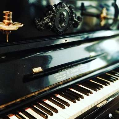 F.Adam Piano. Its about 110 years old, but in amazing condition.And its a beauty?? . . . #handwerk #pianoservice #pianotuner #klavierwerkstatt #klavierstimmer #werkstatt #pianotech #klavier #klavierbau #klavierbauer #handwerk #pianoservice #pianotech#misterpiano #invention #oldbutgold #old #new #piano #pianolover #pianoservicenordwest #piandoo #piano #germanpiano #germanpianos