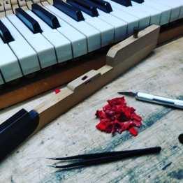 restoration of a piano keyboard.uuh yeah😍 . . . #handwerk #pianoservice #pianotuner #klavierwerkstatt #klavierstimmer #werkstatt #pianotech #klavier #klavierbau #klavierbauer #handwerk #pianoservice #pianotech#misterpiano #invention #oldbutgold #old #new #piano #pianolover #pianoservicenordwest #piandoo