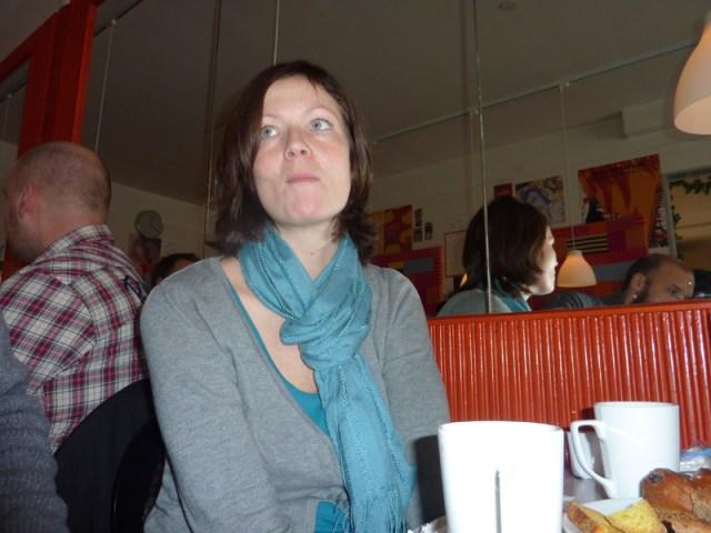 Frukost buffé på systrar och bröder, men Lena har vinter kräksjukan och smittar hela lokalen