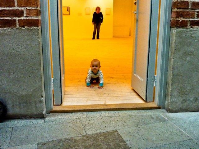 Ett besök på konstahallen och svårt att sitta stilla