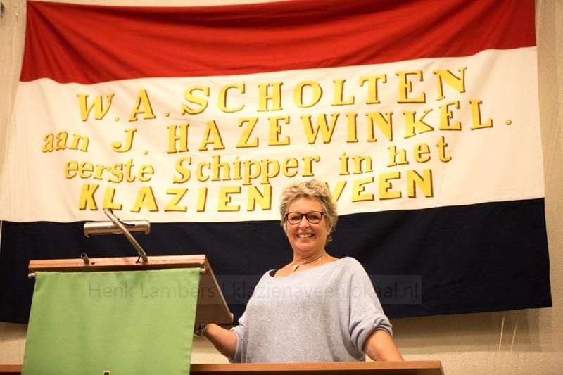 Miep Mulder, vlag Klazienaveen, replica