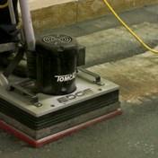 tomcat-stick-orbital-floor-scrubber-03