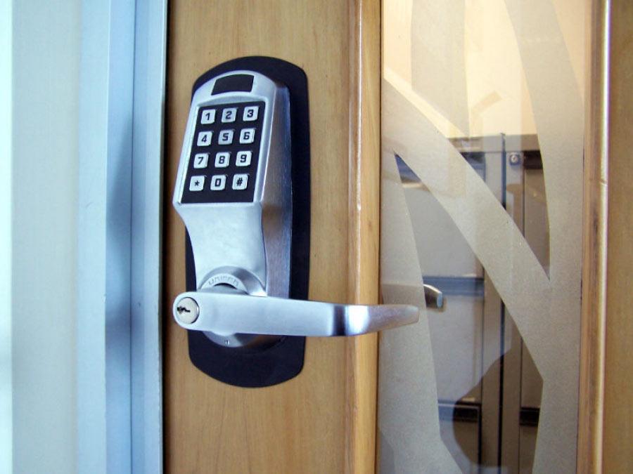 Κλειδαριές αυτόματου κλειδώματος για εισόδους