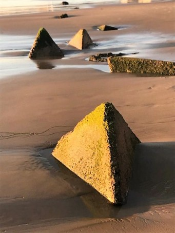 pyramindslaguna