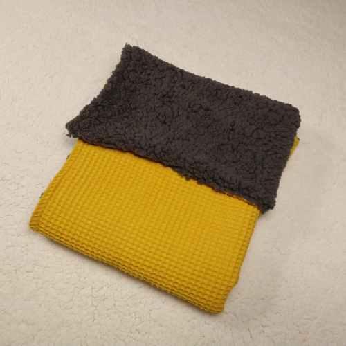 wafel oker geel teddy grijs kinderwagen deken