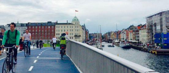 uitzicht kissing bridge nyhavn