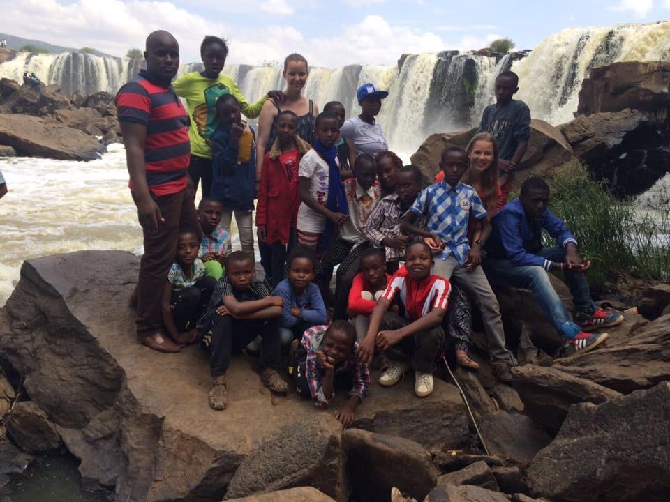 Groepsfoto van het uitje naar Fourteen Falls 2016
