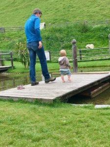 Spielen am See auf dem Reierhof   Copyright: Anja Heuer