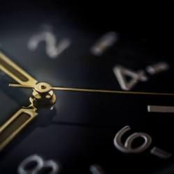 Zeit  Mit alten Büchern die Rente finanzieren – Teil 1 glass time watch business 250x250