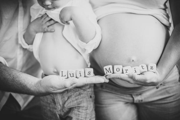 Familienfotografin kleinernordfuchs Schwangerschaftsfotos Babybauchfotos Kinderfotos Kinderlachen Homestory Featured