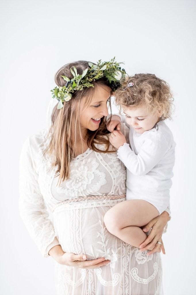 Fotografin Michaela Klose Babybauchfotos Schwangerschaftsfotos Beilstein Heilbronn Ludwigsburg Haarkranz