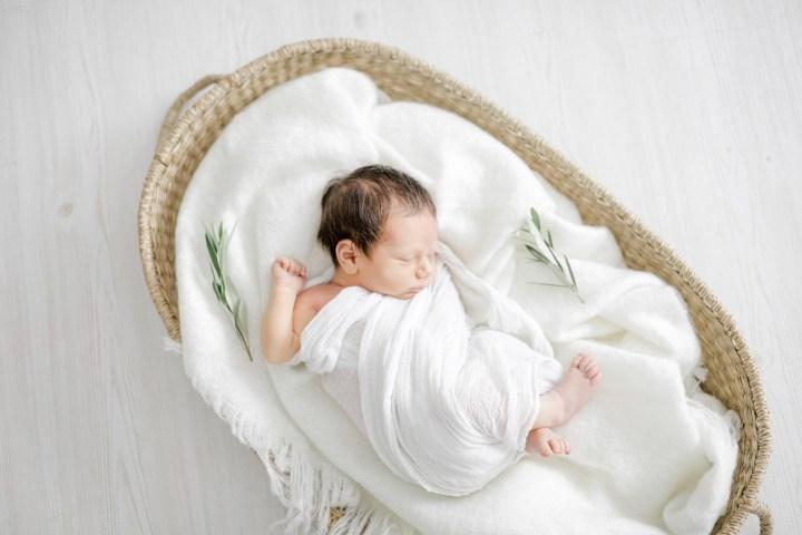 Dein Neugeborenes wird fotografiert // Tipps zur Vorbereitung