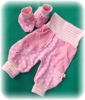 Babyschuhe - Freebook von Lolletroll; Hose: Frida von Dass Milchmonster