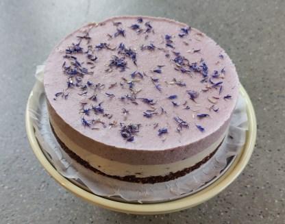 taart glutenvrij lactosevrij vegan bezorgen klein geluk bakery blauwebes stracciatella