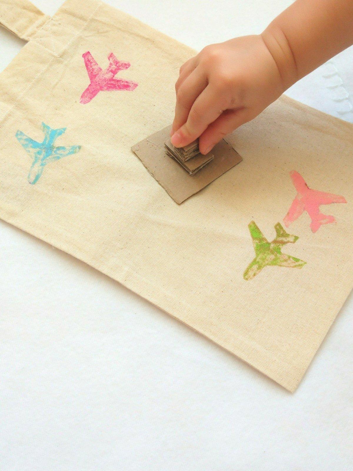 Eine tolle Beschäftigung für Kinder - DIY Stempel aus Moosgummi