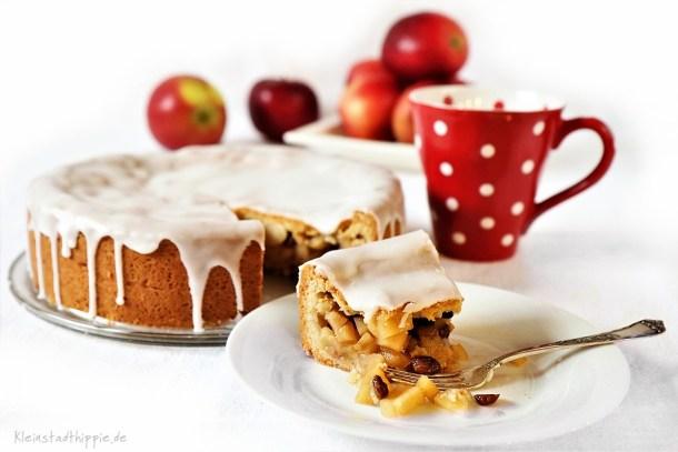 Gedeckter Apfelkuchen mit Mürbteig