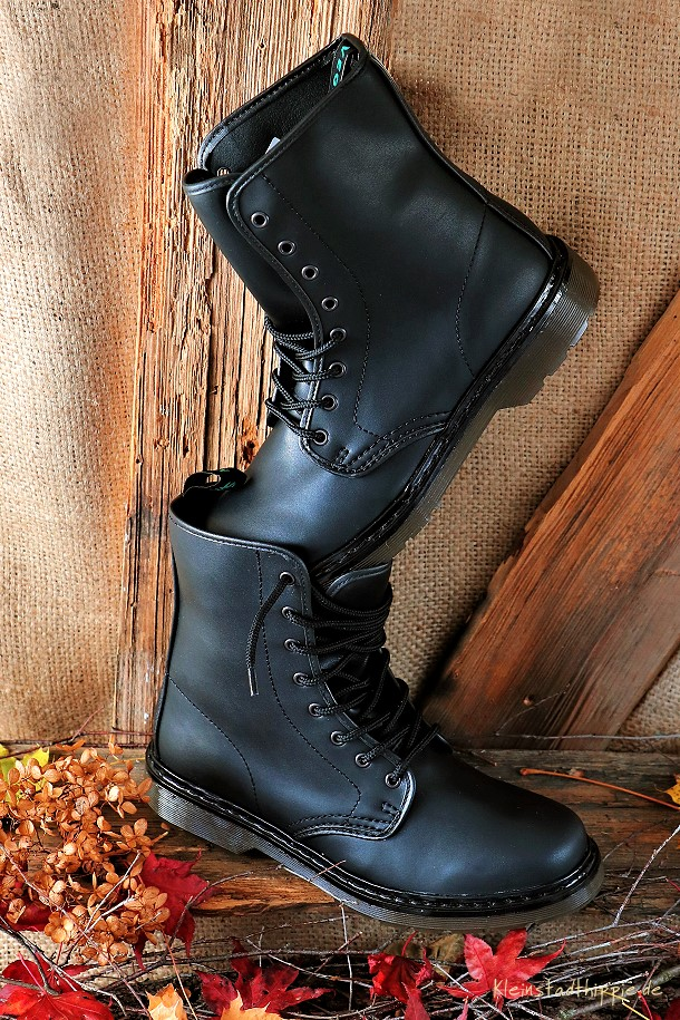 Shoezuu 8 Eye UK Boot Black