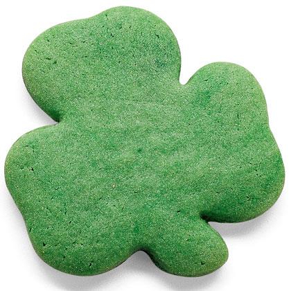 familyfun-clover-cookies-st-patricks-day-recipe-photo-420-FF0300COOKA11