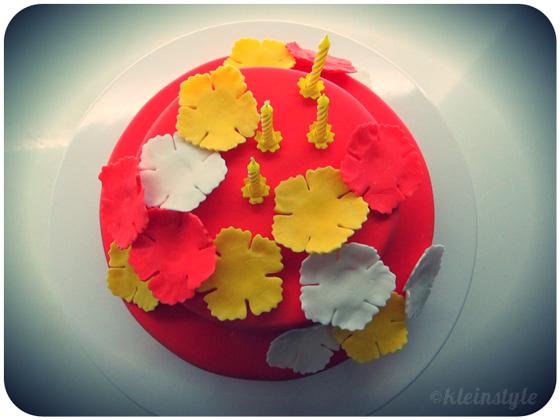 Kid's Birthday : Hawaii inspired Cake