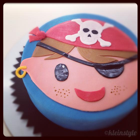 Geburtstage und Kuchen : von Piraten und Blumenfeldern!