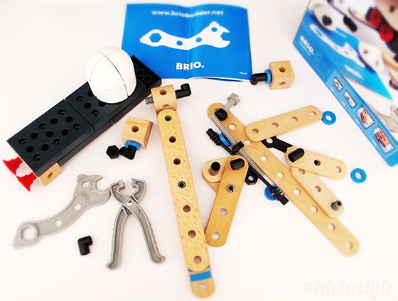 brio builder test helicopter holzspielzeug