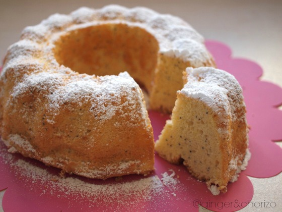 Food Friday : Lemon and Poppy Seeds Chiffon Cake