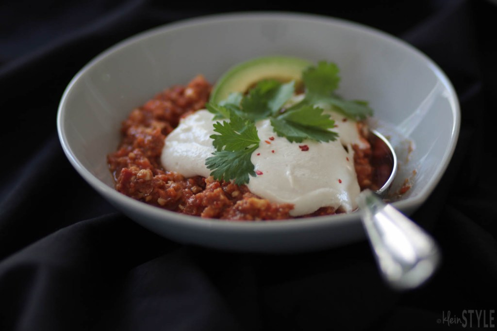 Everyday Raw - Matthew Kenney Chili und Sour Cream Rezept by kleinstyle.com