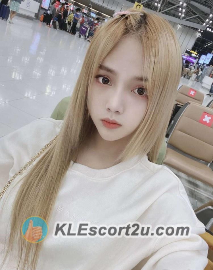 cute thai girl