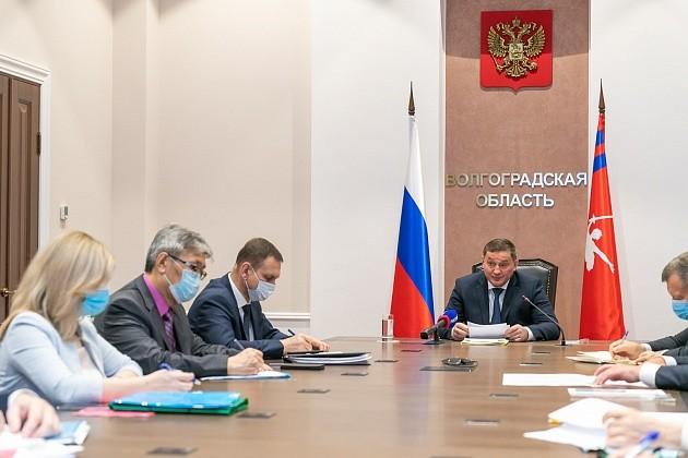 Андрей Бочаров поставил задачи по поэтапному возобновлению работы общественного транспорта