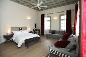best family friendly hotels in Nafplio grand sarai hotel Nafplio family friendly accommodation Peloponnese kids love greece