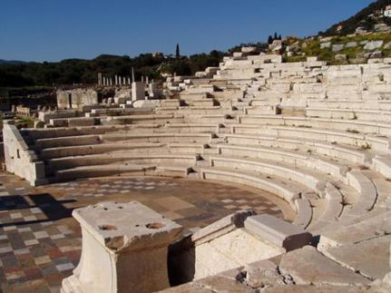 Greece with kids Top things to do with the family athens crete mykonos santorini kidslovegreece peloponnese ancient mythology percy jackson