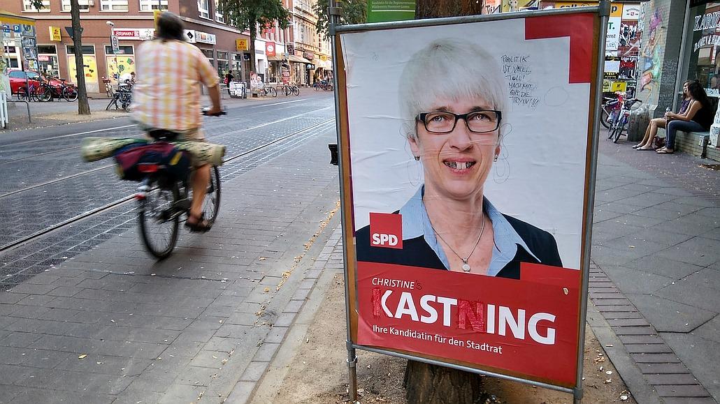 Wahlplakat zur Kommunalwahl Niedersachsen 2016 der SPD beschmiert