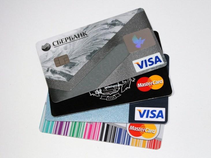 Karty płatnicze jako środek płatniczy