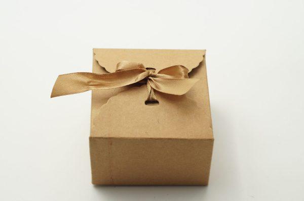 Κουτί Κράφτ 9x9x6 με Κορδέλα