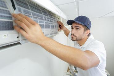 klimatyzacja biuro, monter klimatyzacji i wnetylacji