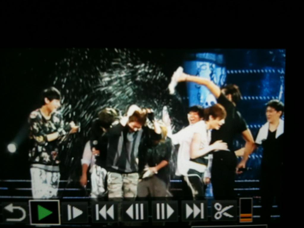 EXO-M disiram Air oleh Siwon
