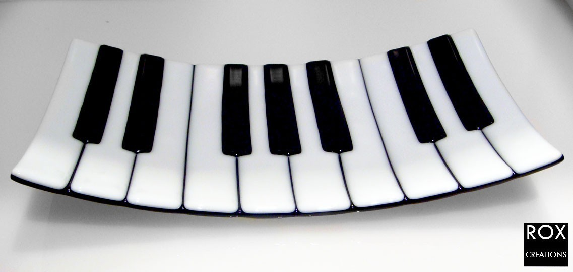 Piring Saji Berbentuk Piano