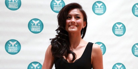 Salut! Agnes Raih Penghargaan Shorty Awards