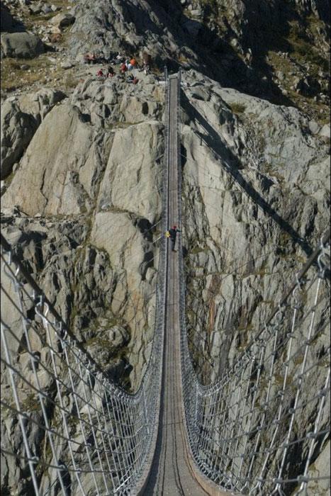 Jembatan Paling Mengerikan di Dunia - www.SurgaBerita.com