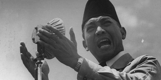 Sisi gelap politik Soekarno