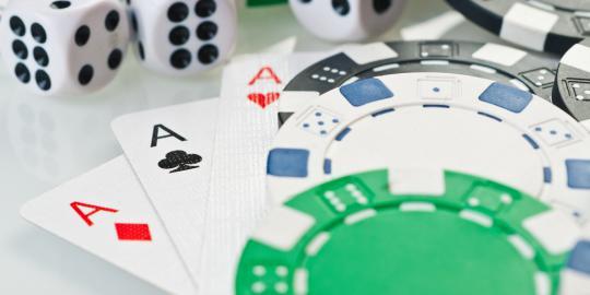 8 Pemain poker di Facebook diadili di Medan