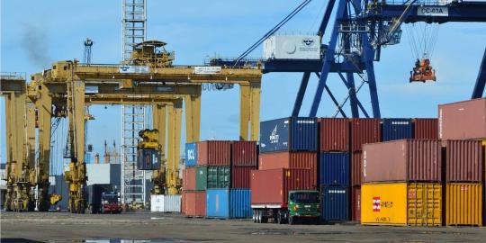 Bongkar muat kontainer di Tanjung Priok diupayakan hanya 1 hari