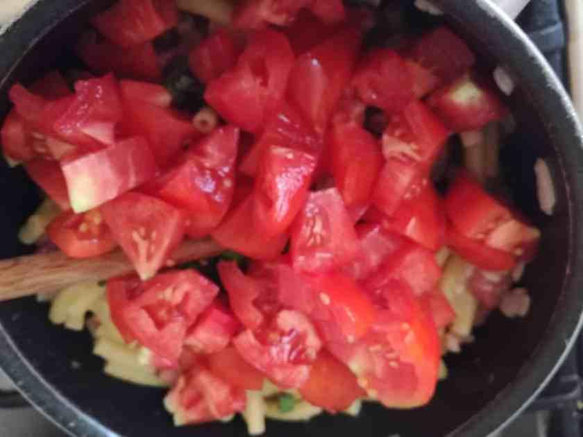 Recette des pâtes aux tomates fraîches étape 4