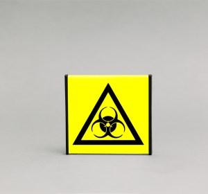 Biologinio pavojaus įspėjamasis ženklas, skirtas įspėti apie biologinį (ligą) pavojų.