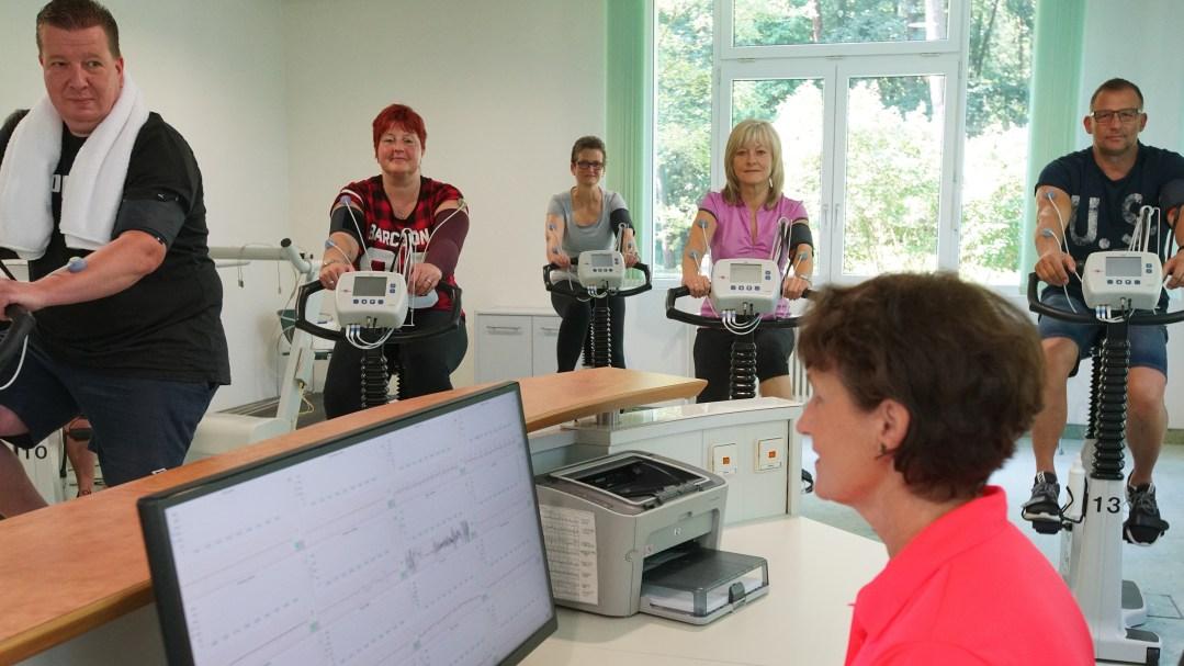 Das Training wird monitorüberwacht