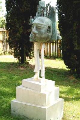 Rolling Head 160x70x70 cm 2002 bronze& alluminium